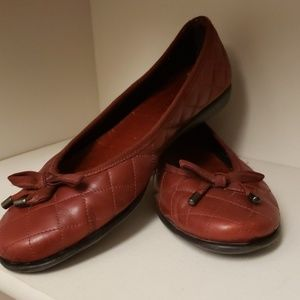 Flexx red quilted flats
